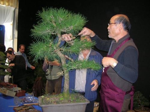 Takeo Kawabe durante una demostración